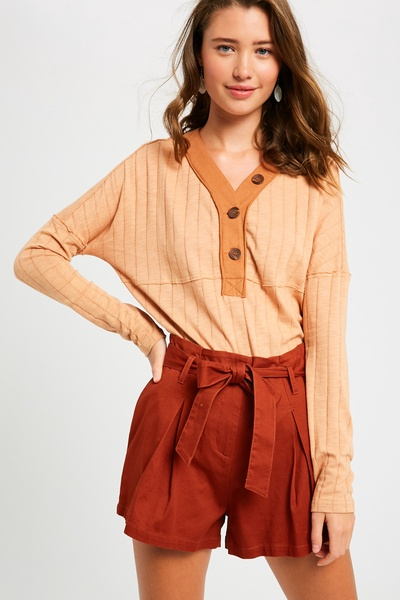 RIBBED TEXTURED V-NECK BUTTON DOWN KNIT TOP