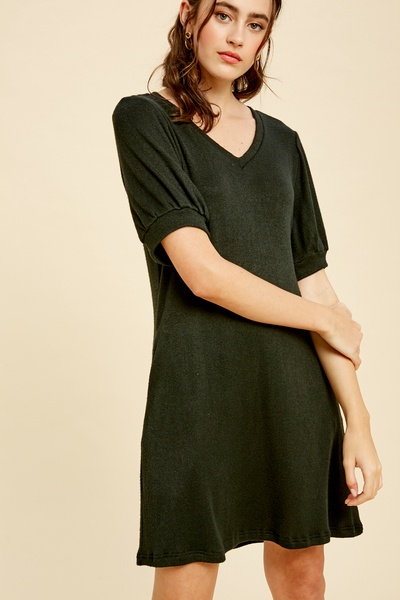 STRETCHED V-NECK KNIT DRESS WITH PUFF SLEEVES