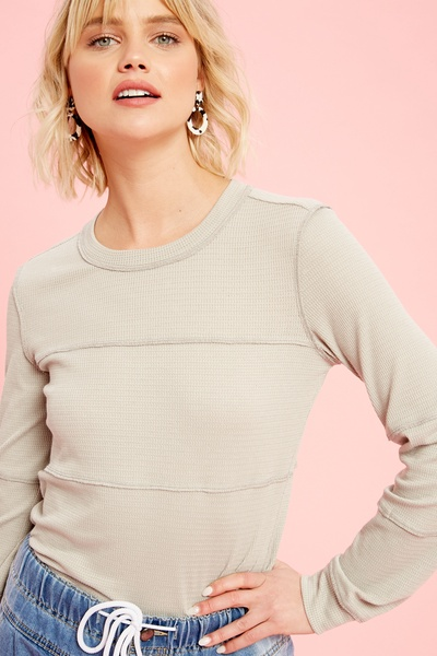WAFFLE TEXTURED STRETCHED LONG SLEEVE KNIT TOP