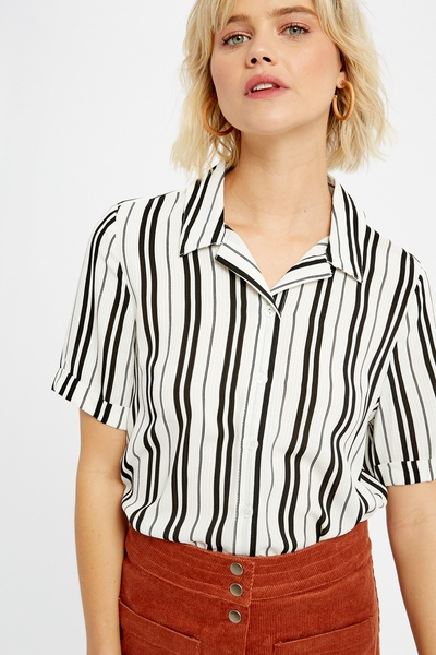 STRIPED BUTTON DOWN COLLARED SHIRTS TOP