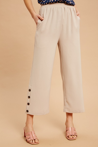 KNIT CULOTTES WITH BUTTON DOWN ON SIDE SEAM HEM