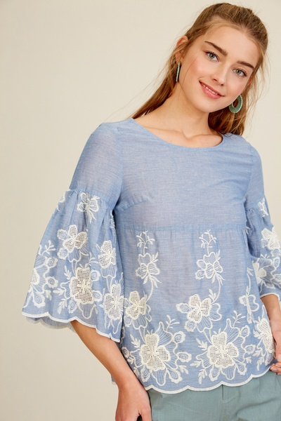 EMBROIDERY WOVEN TOP