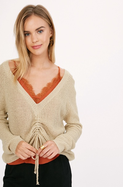 LIGHT WEIGHT BACK TO FRONT RUCHED KNIT SWEATER