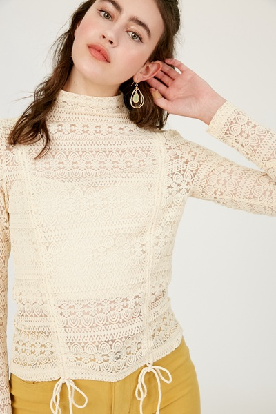 EMBROIDERY LACE MOCK NECK TOP WITH CROP KNIT CAMI